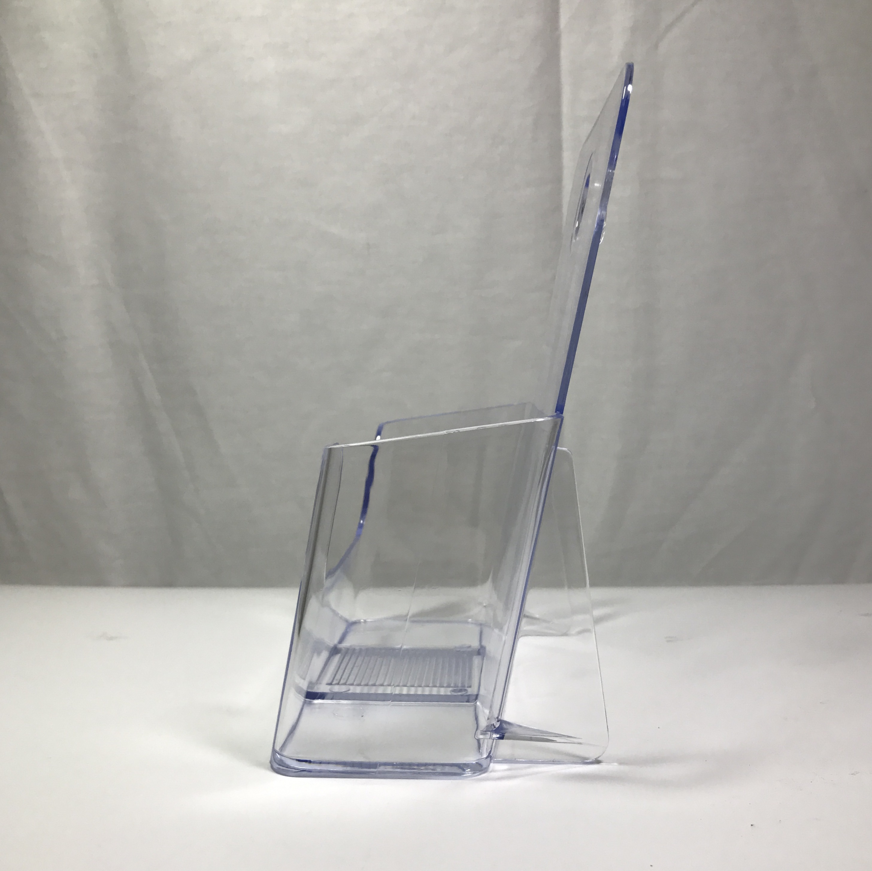 """Three Tier Leaflet Holder 8.5x11/"""" Literature Holder Clear AcrylicWall Mount14917"""