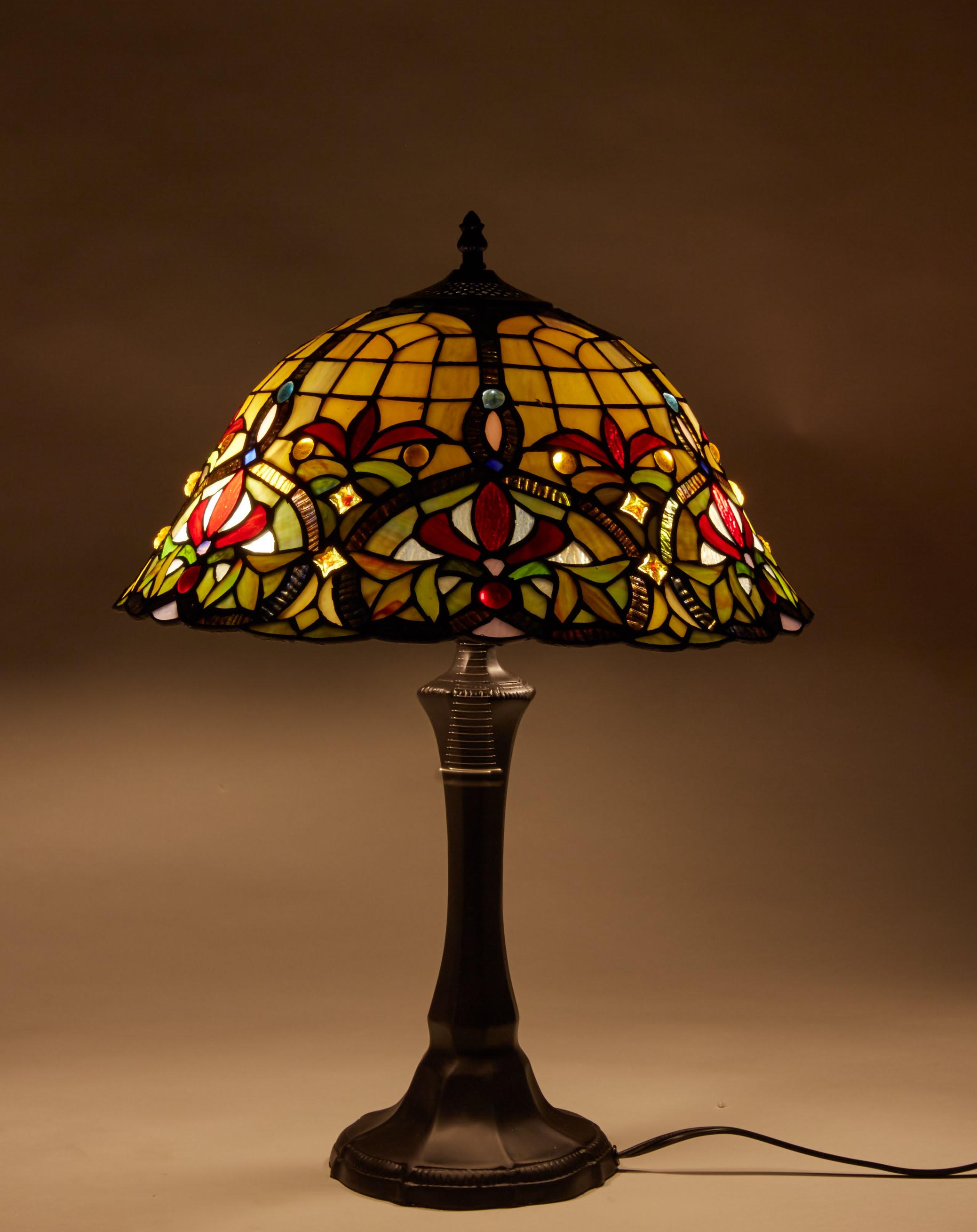 Stained Glass Lamp Shades For Table Lamps : Tiffany table lamp stained glass nightstand light
